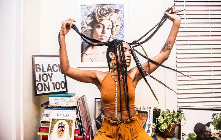SARAH WHITES BLACK LABEL MUSIC